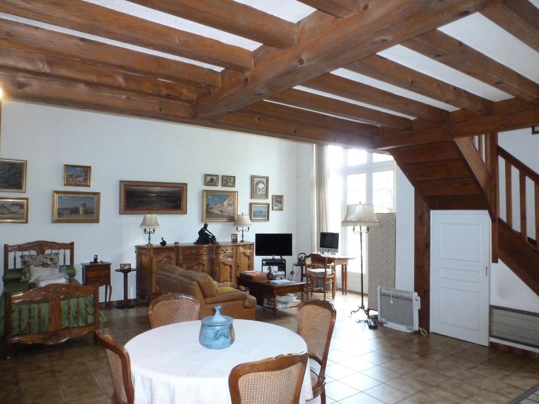 Appartement 139m2 dans château en pierres dorées - Lissieu