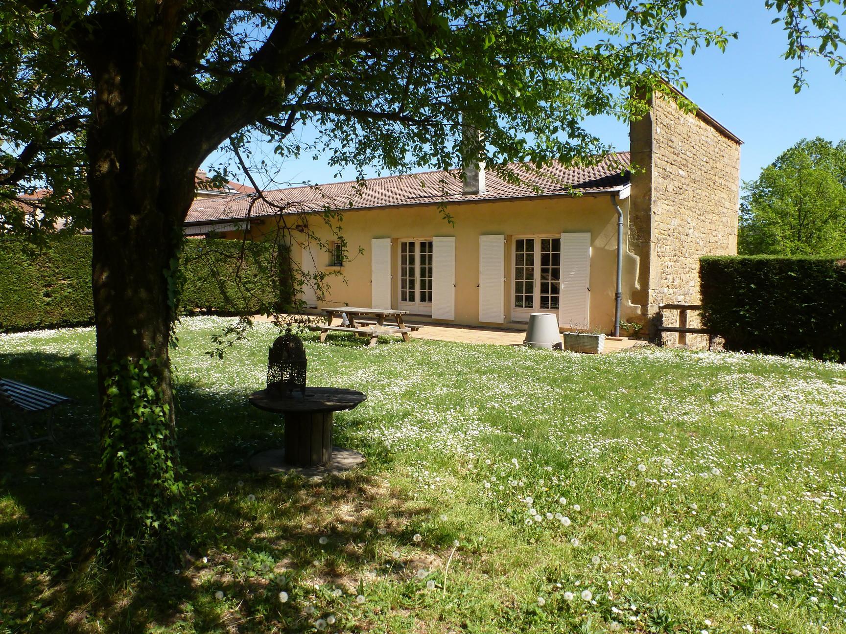 LISSIEU - Dépendance Château - Lissieu