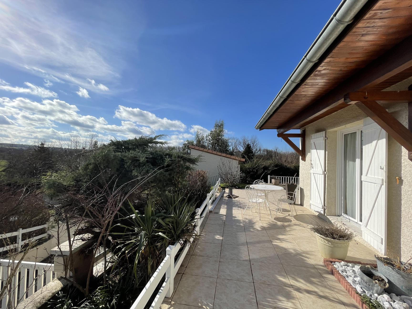 DOMMARTIN villa 150m2 4 chambres piscine - Dommartin