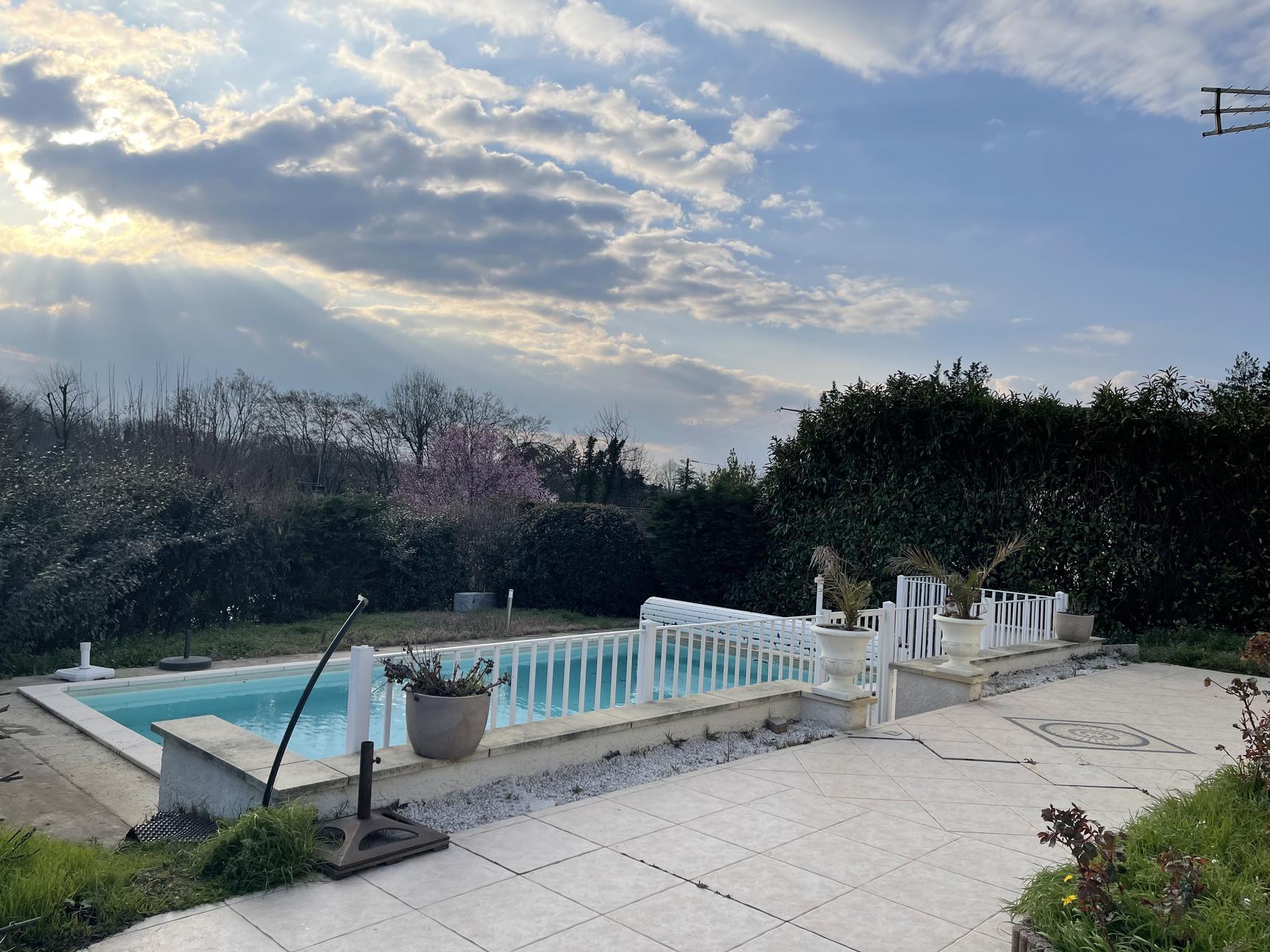 DOMMARTIN villa 150m2 4 chambres piscine