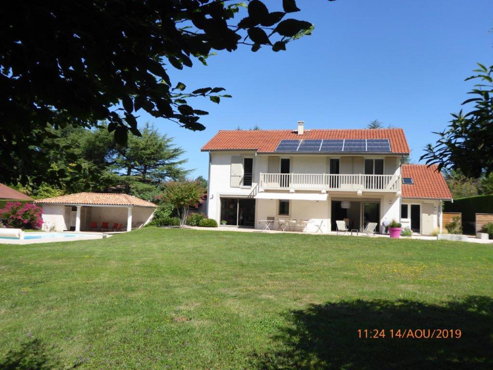 A VENDRE Dardilly Villa 253 m2 6 chambres 2700m2