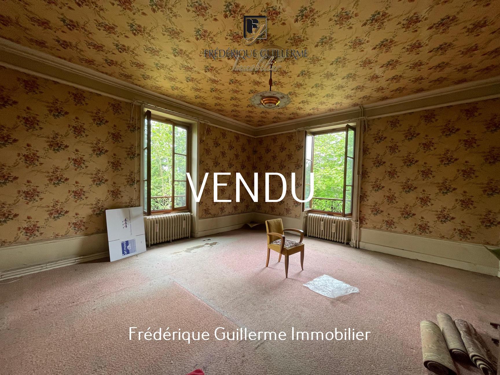 Maison Bourgeoise 450m2 Centre Charbonnières Les B
