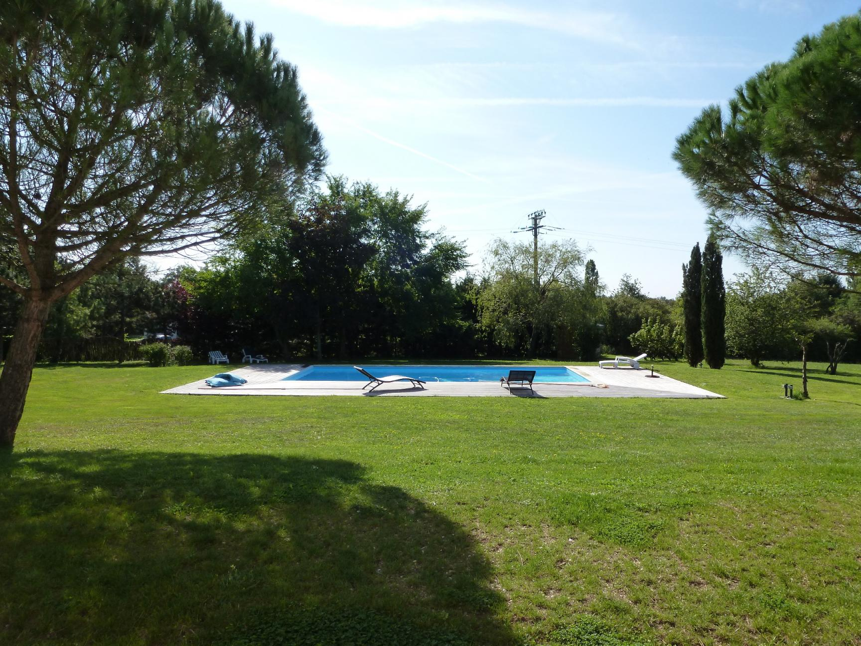Tr s belle maison familiale details for Jardin 400m2 piscine
